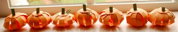 Paper Pumpkin - Thanksgiving crafts for kids